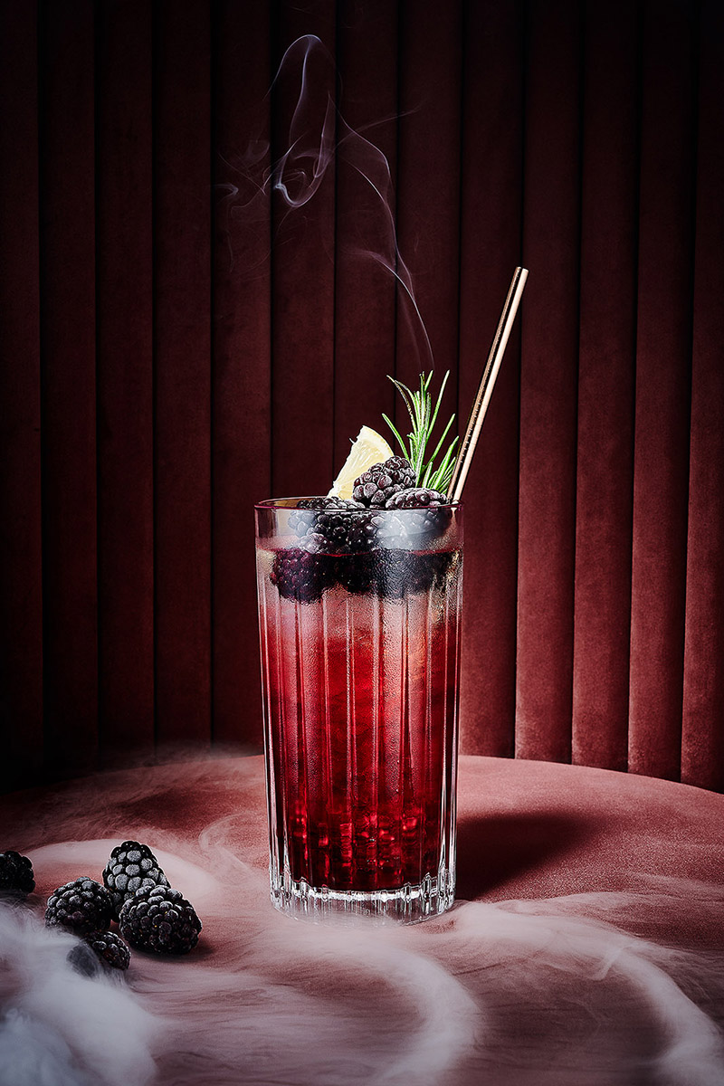 Brombeer Gin Tonic - Pink Drinks
