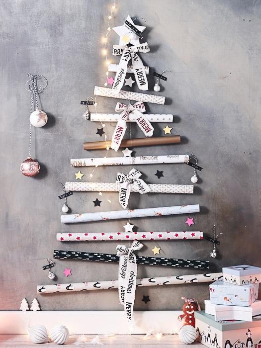 DIY-Idee alternativen Weihnachtsbaum aus Geschenkpapierrollen selbst machen