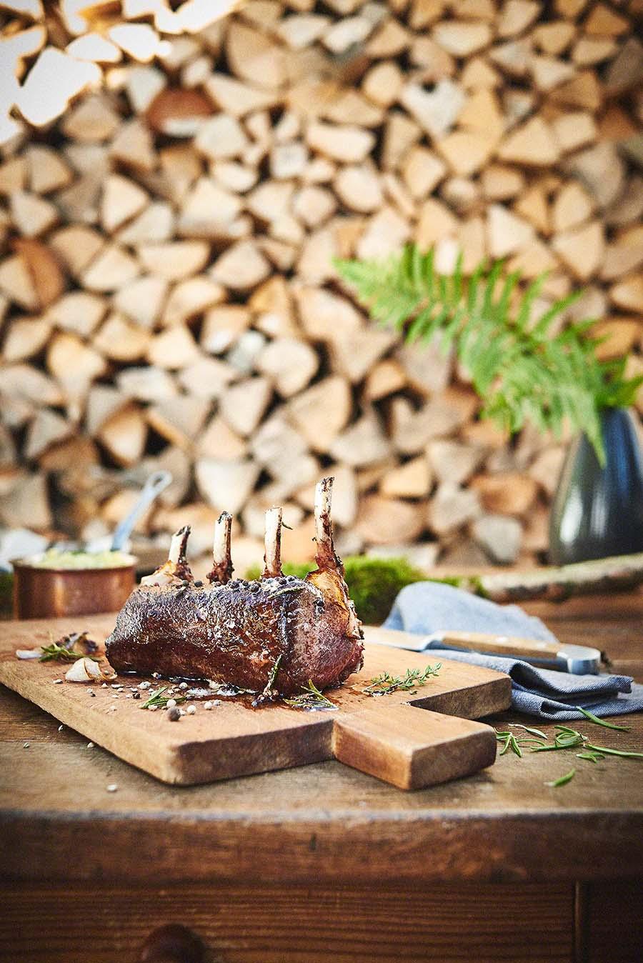 Hirschrücken Wildgericht - Foodfotografie für das Kochbuch WILD von Harald und Maximilian Rüssel