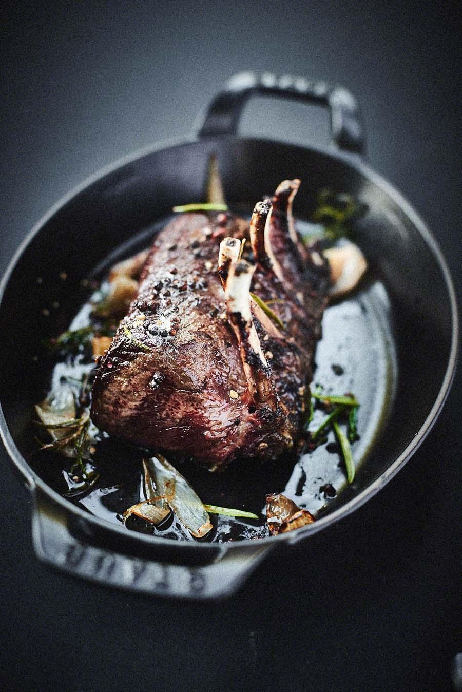 Hirschrücken - Foodfotografie für das Kochbuch WILD von Harald und Maximilian Rüssel