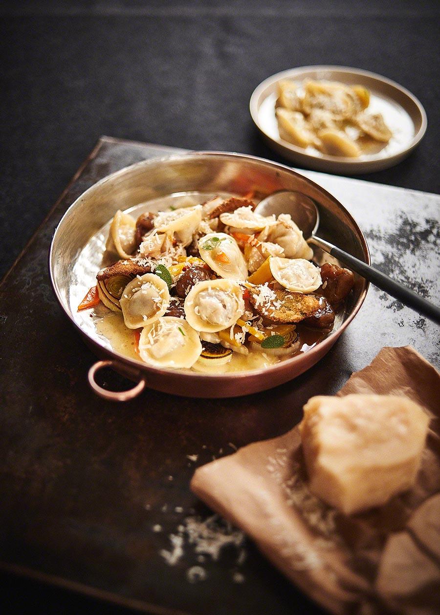 Wild Ravioli - Foodfotografie für das Kochbuch WILD von Harald und Maximilian Rüssel