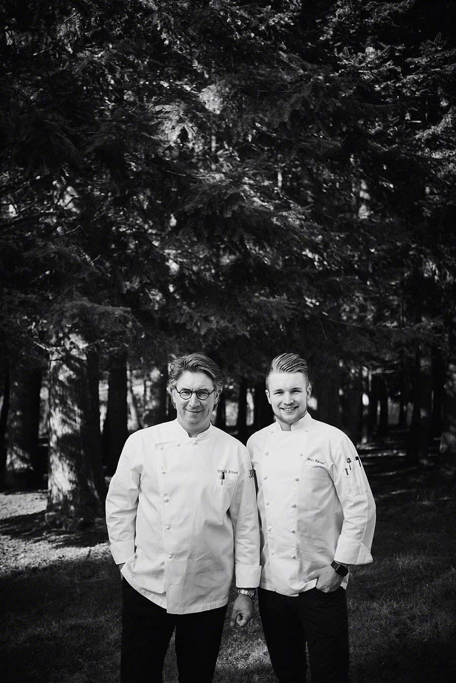 Portrait von Sternekoch Harald Rüssel und Sohn Maximilian - Foodfotografie für das Kochbuch WILD von Harald und Maximilian Rüssel