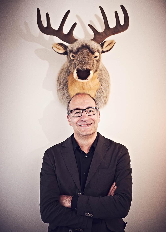 Ungewöhnliches und humorvolles Business-Portrait - Imagebroschüre Hotel Zugbrücke Grenzau