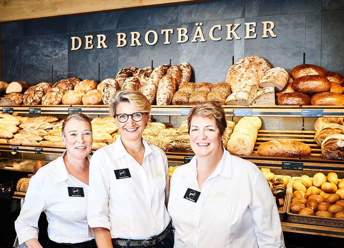 Freundliches Teamfoto Foodreportage und Editorial Bäckerei Geisen Der Brotbäcker