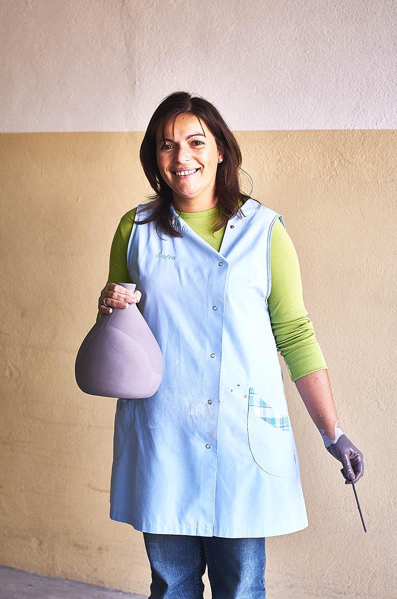 Portrait einer Keramikerin in Portugal Editorial Keramik-Produktion für ASA Selection