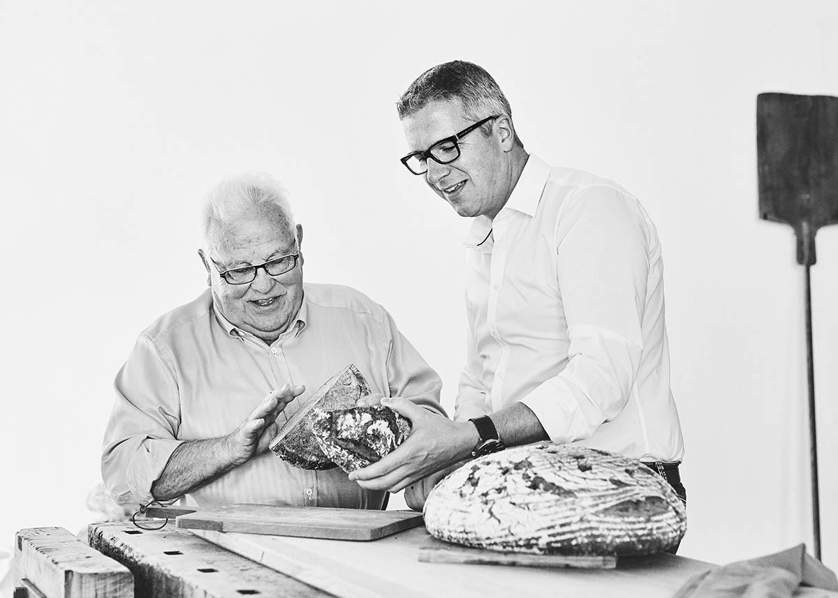 Portrait von Vater und Sohn Foodreportage und Editorial Bäckerei Geisen Der Brotbäcker