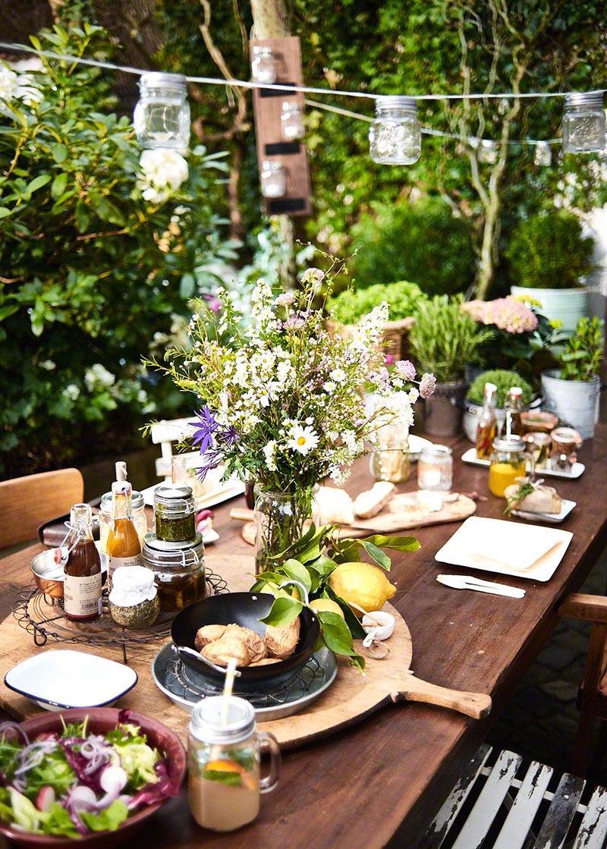 Produktfotografie Depot Lifestyle und Foodserie sommerlich dekorierte Grillparty