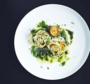 <span>Gemüse-Pasta & bunte Möhren</span><i>→</i>